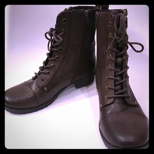 Guess Brown Ankle Boots Sz 9 NEW
